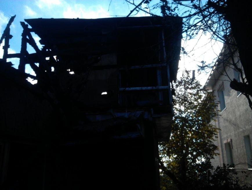 Погорелица с улицы Попова просит мариупольцев помочь хоть старой мебелью (ФОТО), фото-5