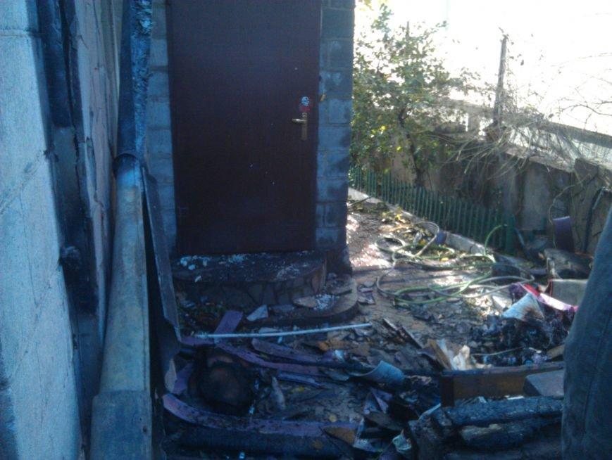Погорелица с улицы Попова просит мариупольцев помочь хоть старой мебелью (ФОТО), фото-9