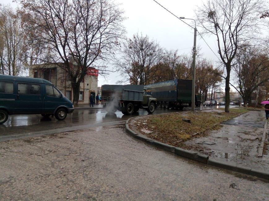 В Сумах столкнулись легковой автомобиль и фура (ФОТО), фото-4