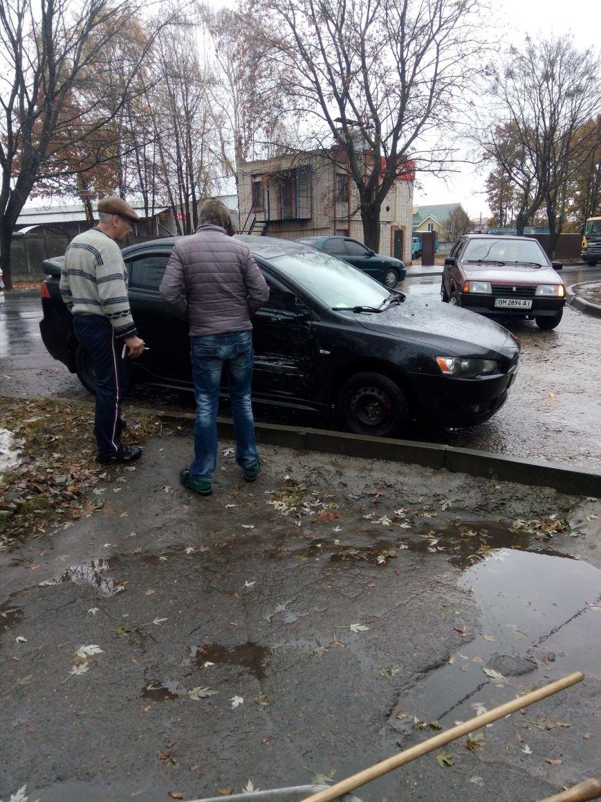В Сумах столкнулись легковой автомобиль и фура (ФОТО), фото-1