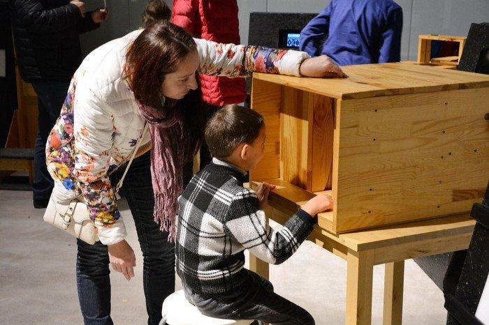"""В Гродно проходит выставка оптических иллюзий, где любой желающий может """"потрогать свет"""", фото-9"""