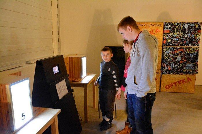 """В Гродно проходит выставка оптических иллюзий, где любой желающий может """"потрогать свет"""", фото-2"""