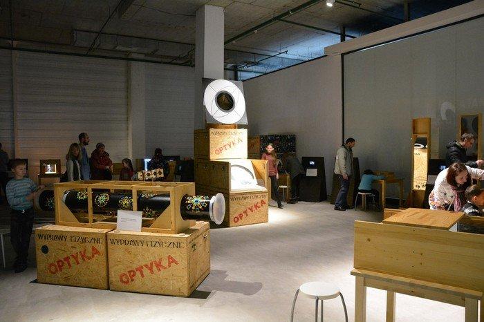 """В Гродно проходит выставка оптических иллюзий, где любой желающий может """"потрогать свет"""", фото-1"""
