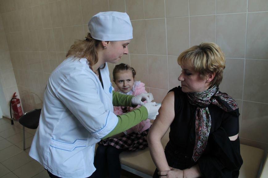 Главный врач ЦПМСП на собственном примере показала важность вакцинирования, фото-3