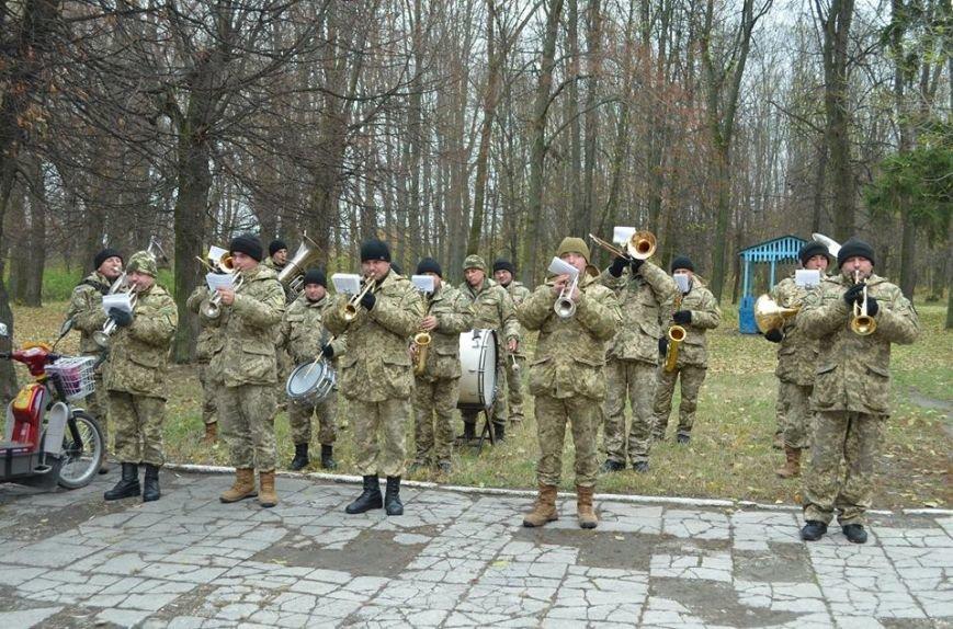 В Ярунському Будинку культури відбулися заходи військово-патріотичного виховання з учнями старших класів, фото-1