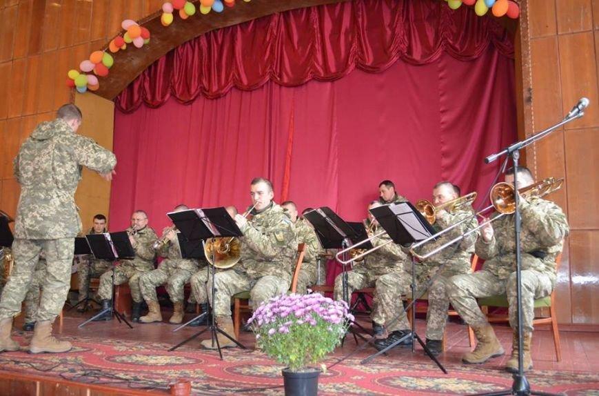 В Ярунському Будинку культури відбулися заходи військово-патріотичного виховання з учнями старших класів, фото-3