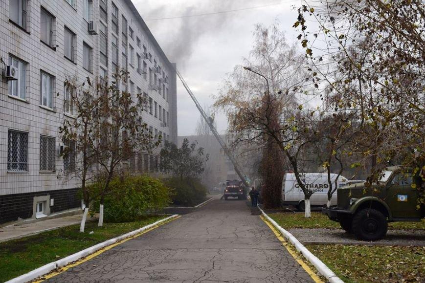 В Мариуполе спецназ превратился в альпинистов, чтобы освободить здание Нацполиции от террористов(ФОТО), фото-9