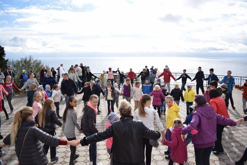 «Хоровод Дружбы» устроили в День народного единства в Симеизе, фото-1