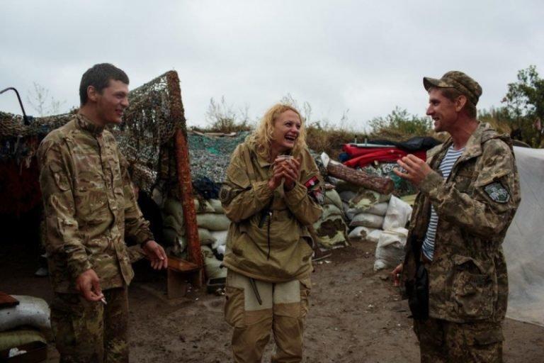 """""""У світі українських жінок-воїнів"""": унікальний американський фотопроект у зоні АТО. Фото, фото-3"""