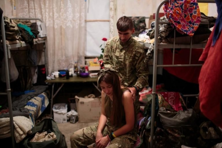 """""""У світі українських жінок-воїнів"""": унікальний американський фотопроект у зоні АТО. Фото, фото-4"""