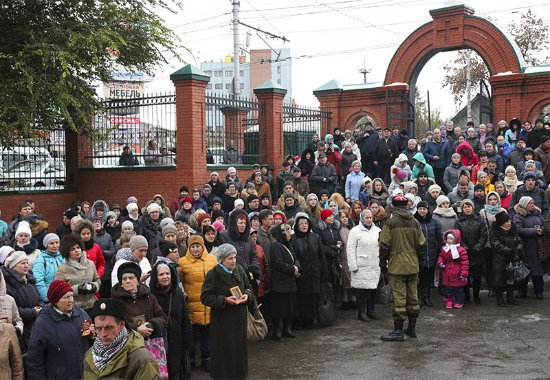 В крестном ходе приняли участие более тысячи саратовцев, фото-1