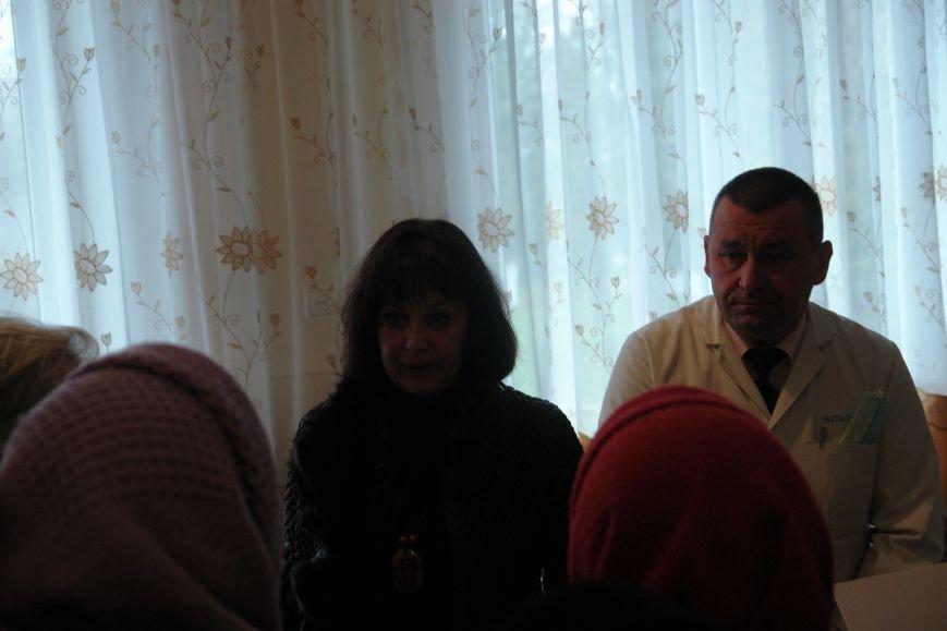 Мешканці смт Брошнів-Осада погрожують перекрити трасу міжнародного значення, якщо в них закриють єдину лікарню, фото-7
