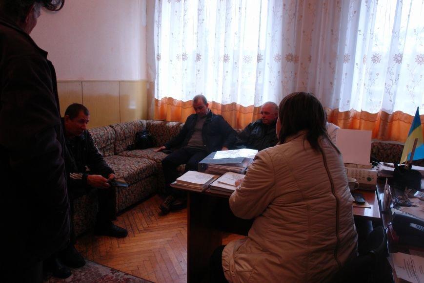 Мешканці смт Брошнів-Осада погрожують перекрити трасу міжнародного значення, якщо в них закриють єдину лікарню, фото-11