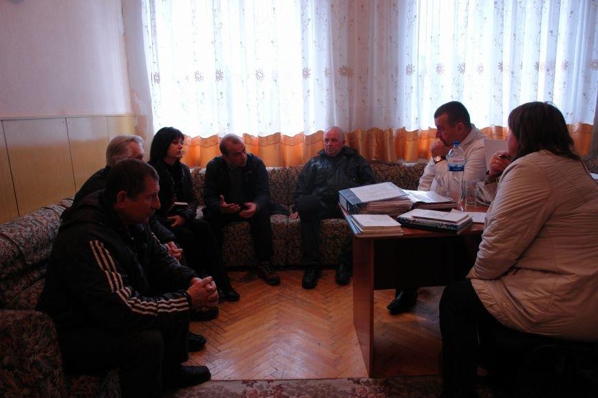 Мешканці смт Брошнів-Осада погрожують перекрити трасу міжнародного значення, якщо в них закриють єдину лікарню, фото-8