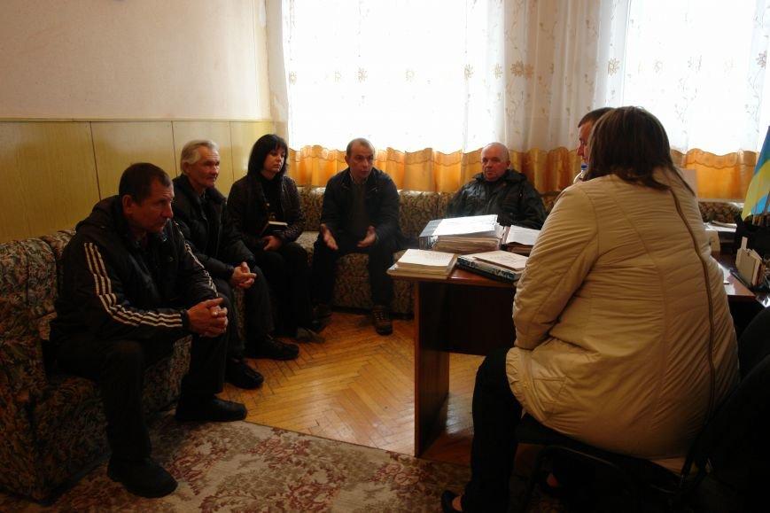 Мешканці смт Брошнів-Осада погрожують перекрити трасу міжнародного значення, якщо в них закриють єдину лікарню, фото-9