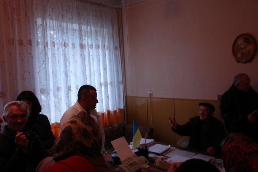 Мешканці смт Брошнів-Осада погрожують перекрити трасу міжнародного значення, якщо в них закриють єдину лікарню, фото-3