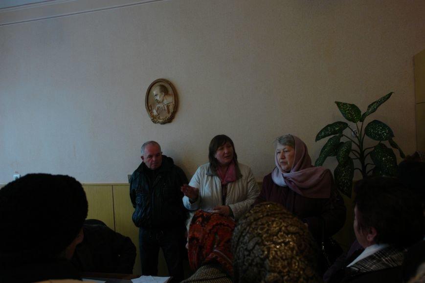 Мешканці смт Брошнів-Осада погрожують перекрити трасу міжнародного значення, якщо в них закриють єдину лікарню, фото-5