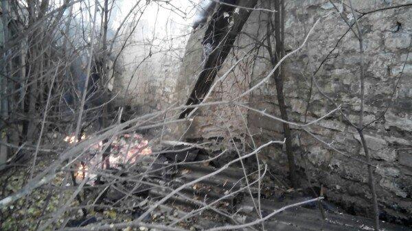 У Кам'янці горів закинутий склад біля кукурудзяного заводу, фото-1