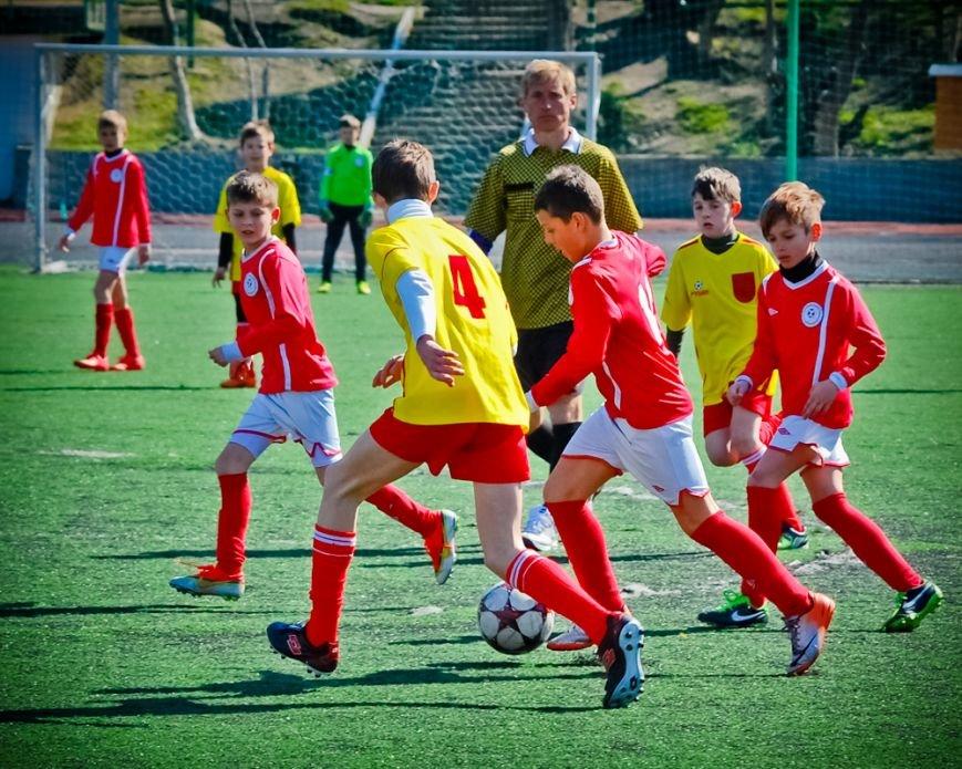 Две победы в активе ялтинских юношей в Детской футбольной лиге Крыма, фото-1