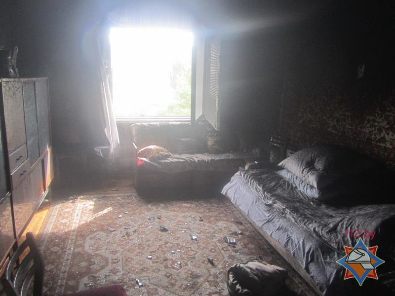 Молодой гродненец поджог квартиру пенсионерки, где он снимал комнату, чтобы замести следы кражи тысячи долларов, фото-1