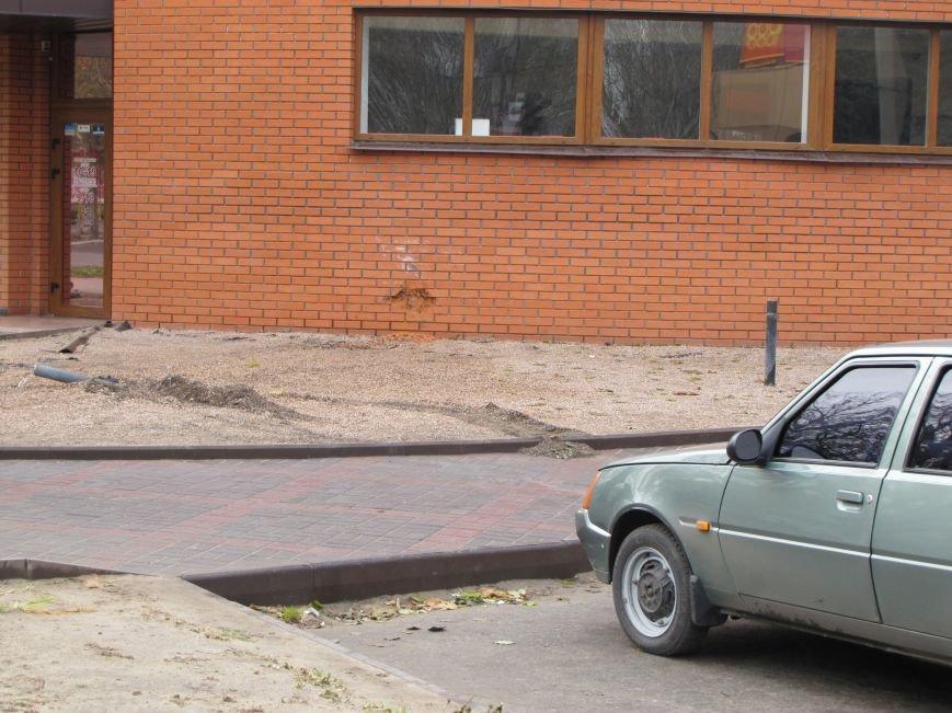 Девушка за рулем перепутала газ с тормозом (фото), фото-3
