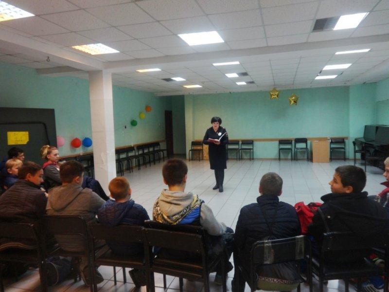 В Ялте полицейские организовали для подростков лекцию на тему «Преступление и наказание», фото-1