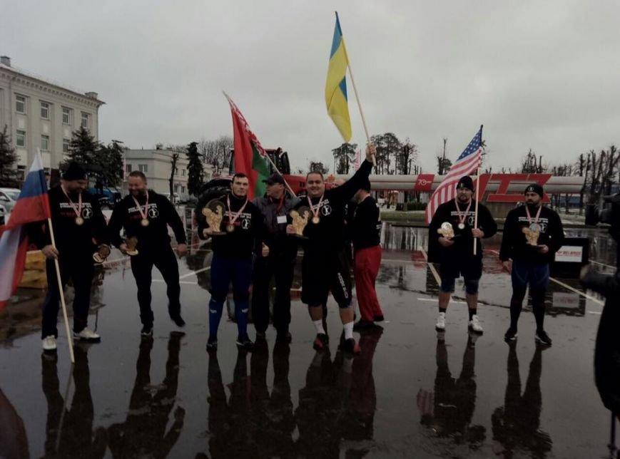 Мариуполец  Лашин в Беларуси тянул самый мощный трактор (Фотофакт), фото-1