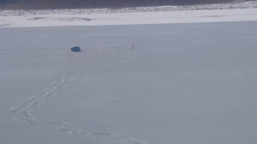 Рыбак чуть не утонул в пруду на территории Новой Москвы, фото-4