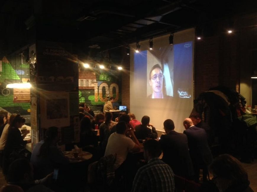 Півсотні франківців зібралися разом, щоб обговорити результати американських виборчих перегонів (ФОТО+ВІДЕО), фото-11