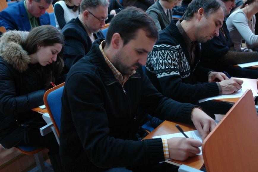 Відомі франківці і студенти писали диктант національної єдності. Фото, фото-12