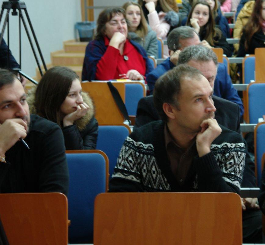 Відомі франківці і студенти писали диктант національної єдності. Фото, фото-6