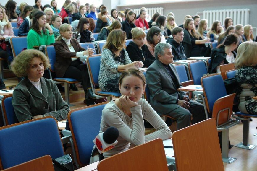 Відомі франківці і студенти писали диктант національної єдності. Фото, фото-2