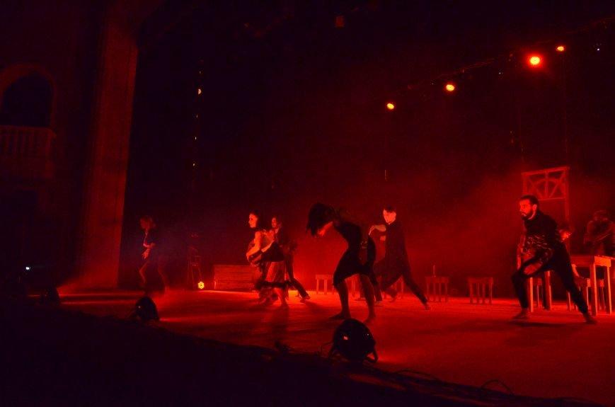 Киевские артисты шокировали мариупольцев необычной постановкой Чехова (ФОТО+ВИДЕО), фото-5