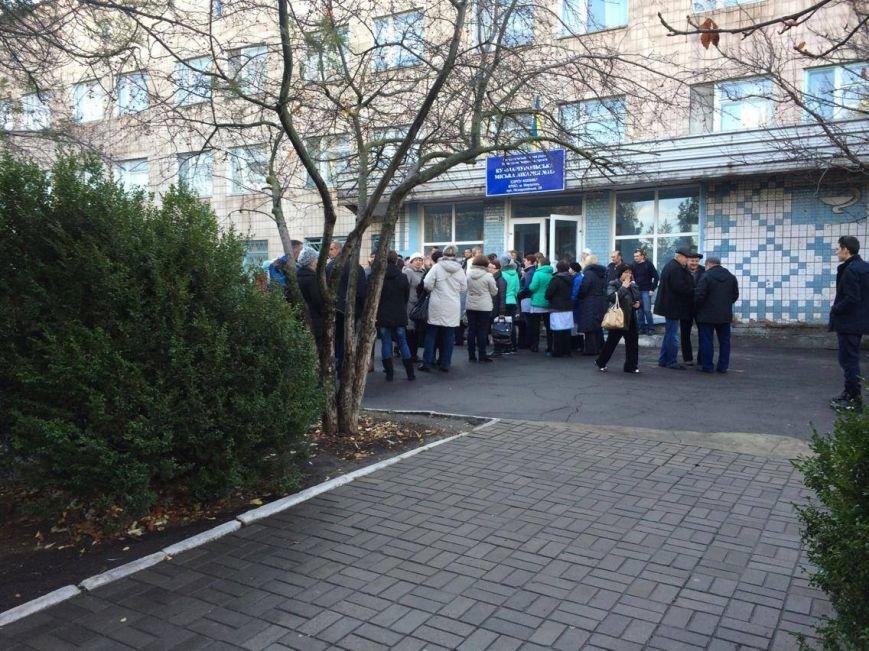 """Медики и пациенты больницы на окраине Мариуполя митинговали против """"силовиков"""" (ФОТО, ВИДЕО), фото-3"""