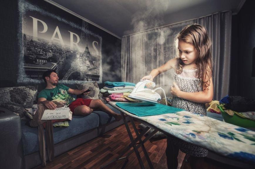 Унікальні дотепні світлини батька й 7-річної дочки, які дають собі раду у від'їзді мами (ФОТО), фото-6