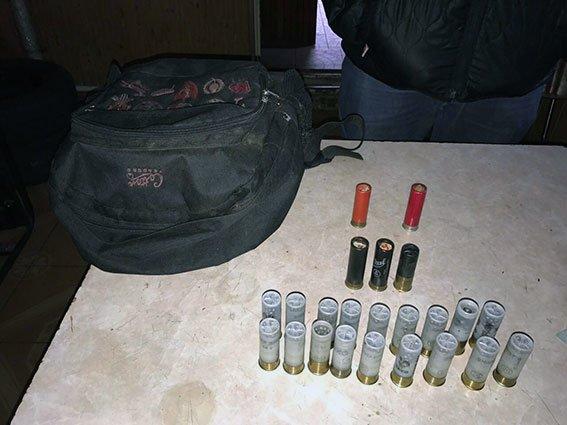 В Харькове бойцы батальона задержали иномарку с боеприпасами в багажнике (ФОТО), фото-1