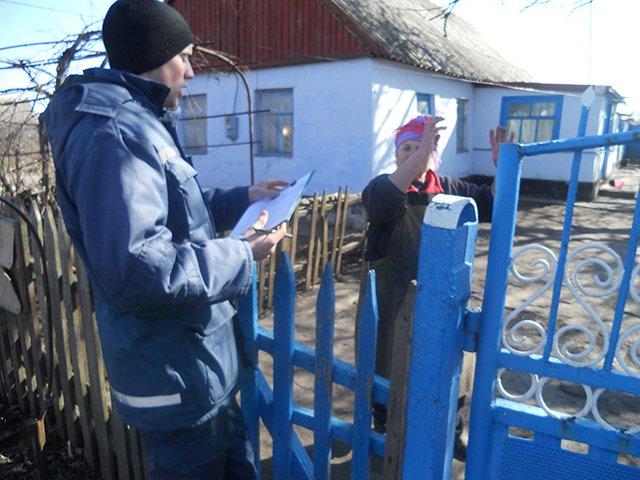 Во время рейда николаевские спасатели напомнили жителям Баштанки правила пожарной безопасности (ФОТО), фото-2