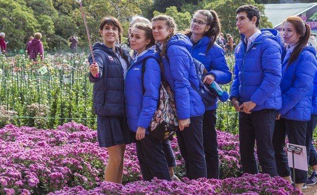 Новая хризантема «Сердце Артека», распустившаяся в Никитском саду, вызывает повышенный интерес публики, фото-1