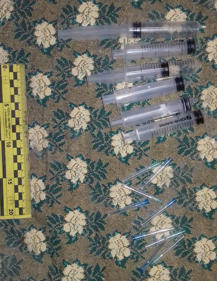 Поліція в Кам'янці затримала групу осіб, на рахунку яких сім злочинів - фото 3
