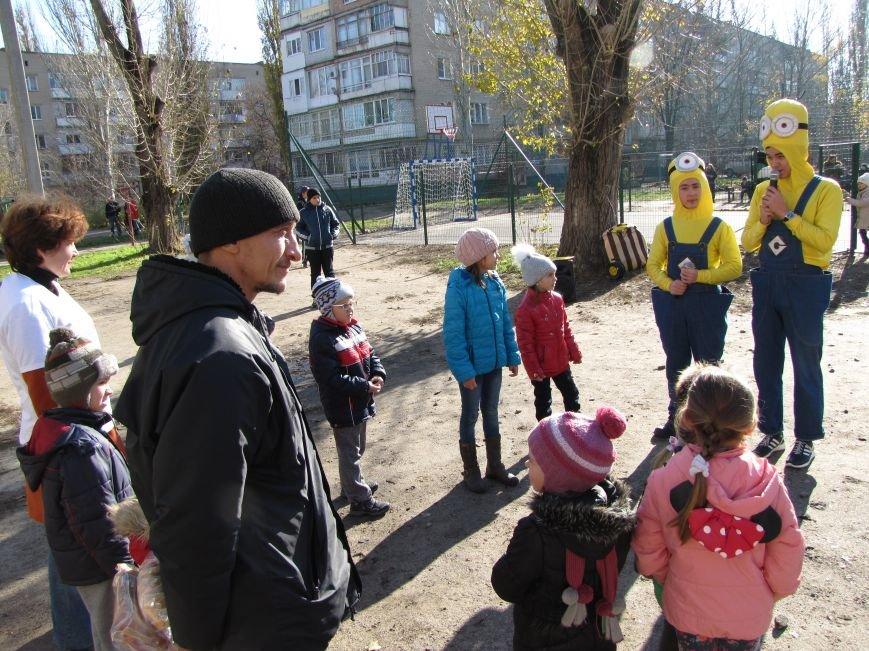 Еще в одном мелитопольском дворе появилась спортивная площадка (фото, видео), фото-9