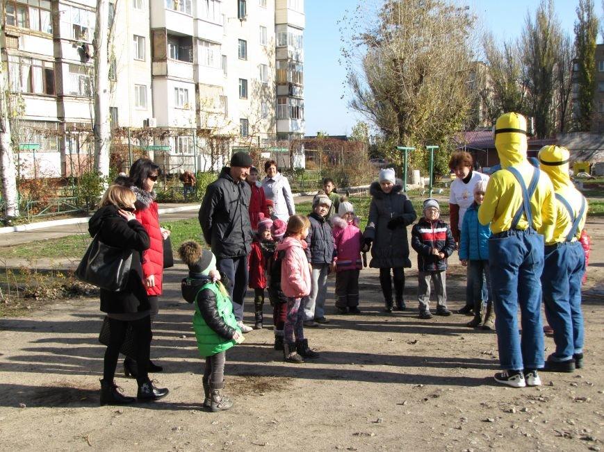 Еще в одном мелитопольском дворе появилась спортивная площадка (фото, видео), фото-8