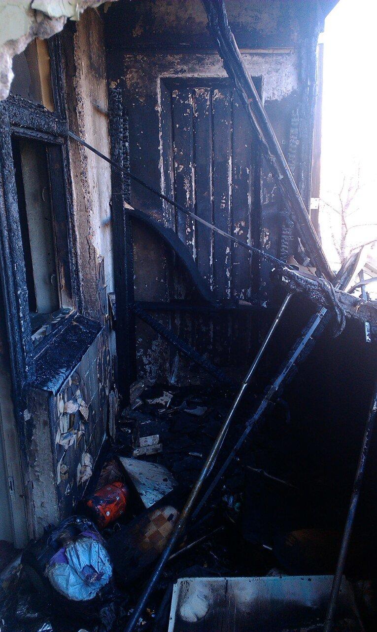 В Каменском при пожаре в многоэтажке пострадал мужчина, фото-3