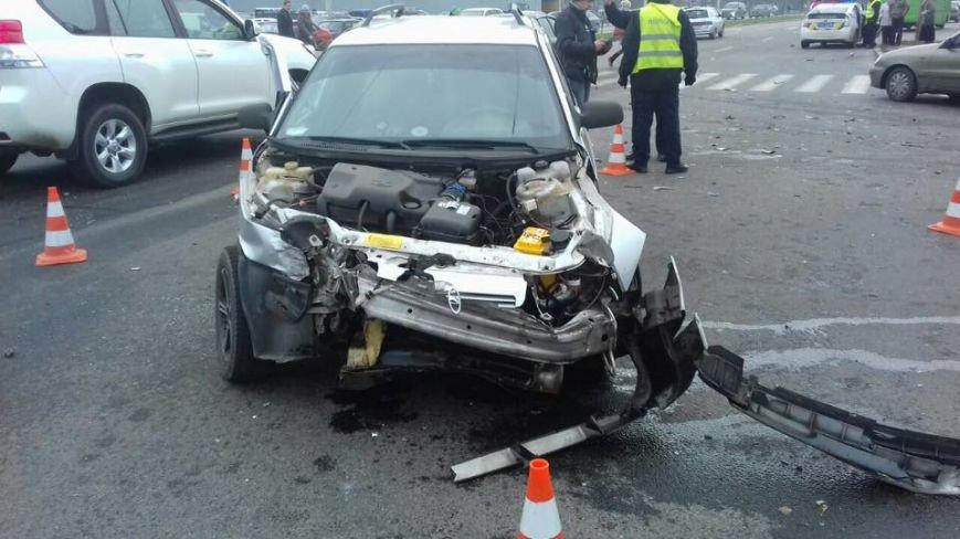 ДТП на Новых Домах: пострадали два пассажира и пешеход (ФОТО), фото-1