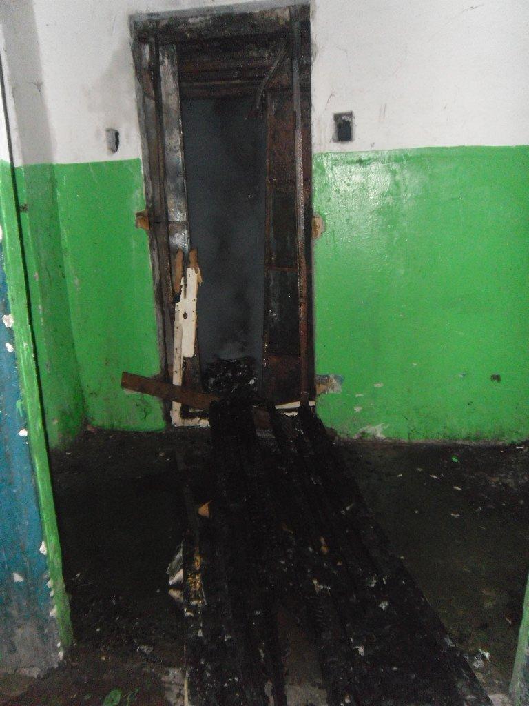 В Каменском из пожара в многоэтажке спасли троих жильцов, фото-5