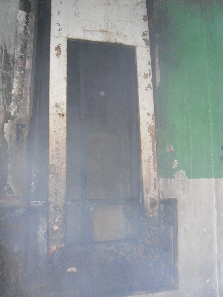 В Каменском из пожара в многоэтажке спасли троих жильцов, фото-2