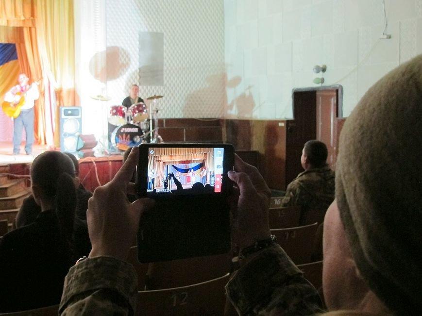 В Бахмутском районе для военнослужащих устроили концерт, фото-3