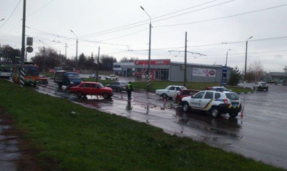 """В трех """"Жигулях"""", попавших в ДТП в Краматорске, есть пострадавшие, фото-3"""