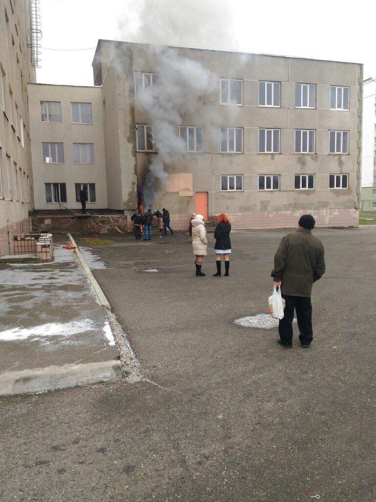 В Харькове горел подвал поликлиники (ФОТО), фото-1