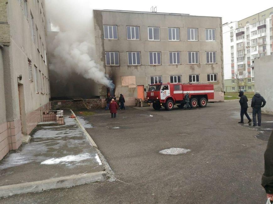 В Харькове горел подвал поликлиники (ФОТО), фото-2