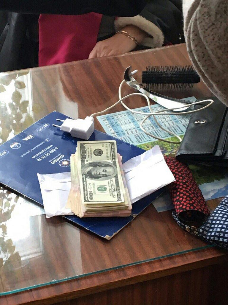 В Кам'янці на хабарі затримано голову лікарсько-консультативної комісії (ФОТО), фото-1